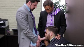 Office threeway with bitch Tommy Defendi
